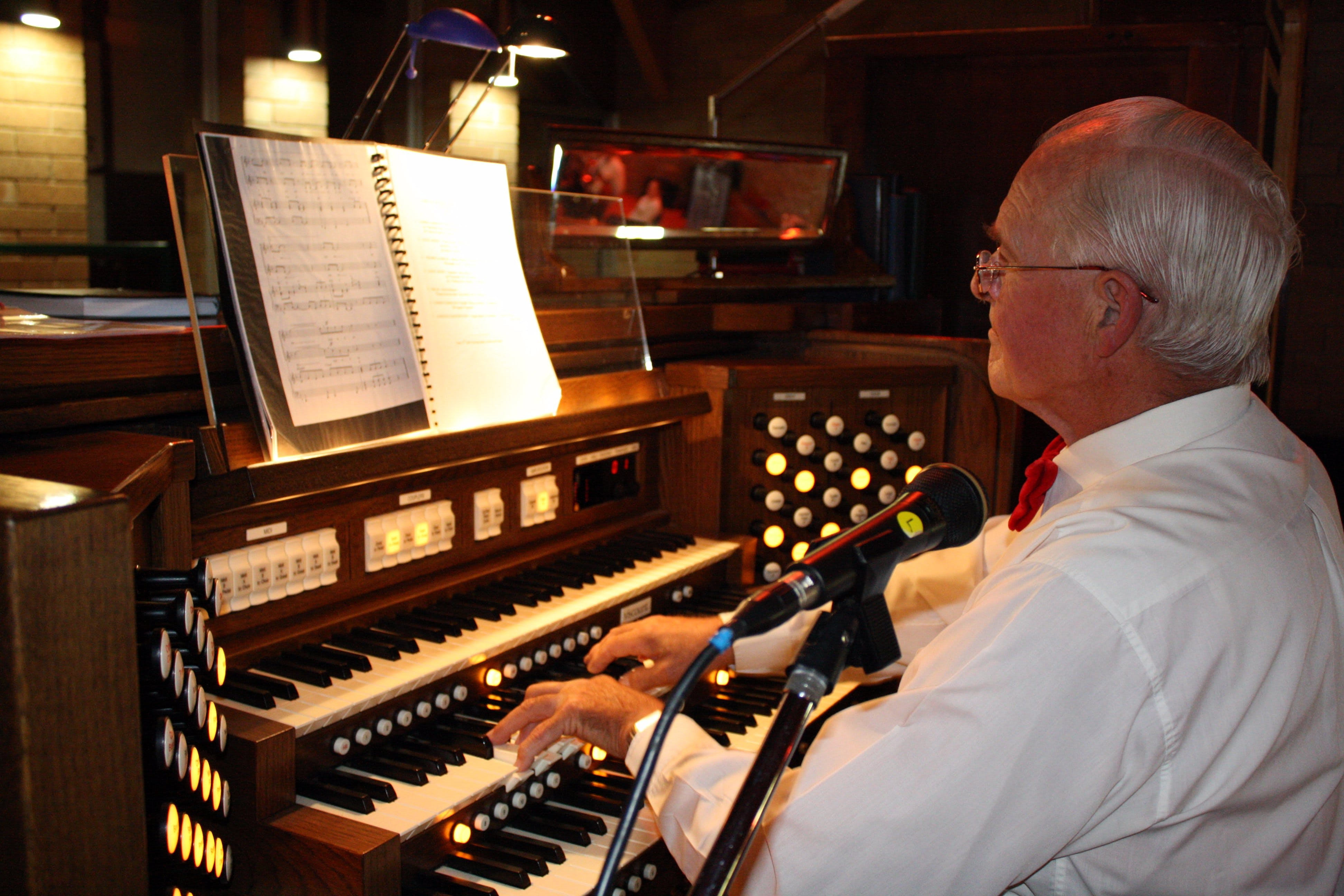 St Bartholomews Largest Digital Pipe Organ in the Southern Hemisphere