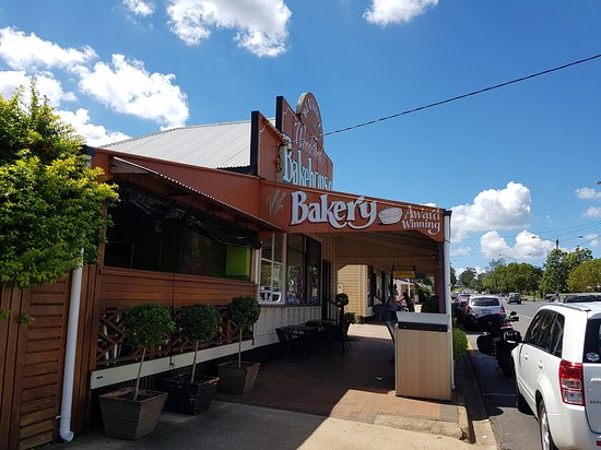 Blackbutt Woodfired Bakery